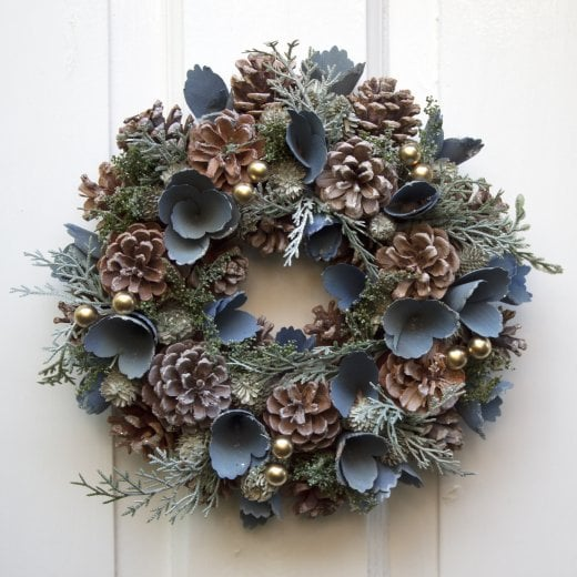 Danish Collection Flower & Pinecone Wreath - Blue/Gold