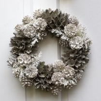 Danish Collection Pinecone Wreath - Grey/White
